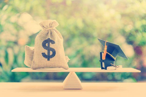 UK Higher Education Sector Sees Significant Disparities in Graduate Salaries